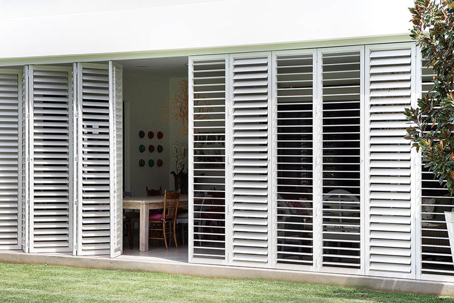 bifold-aluminium-shutters