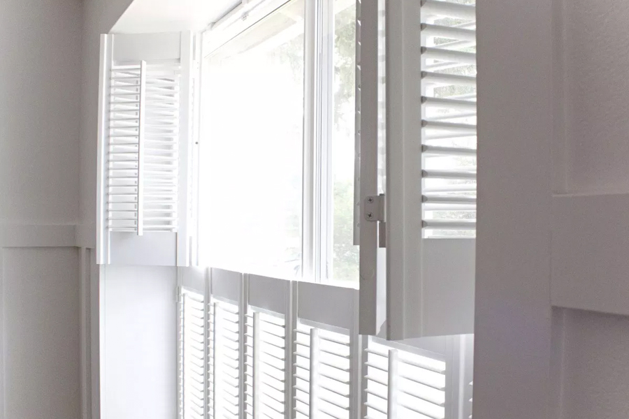 fixed bottom shutters