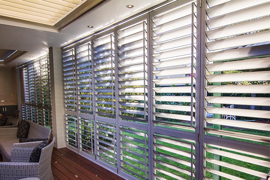 living-room-plantation-shutters